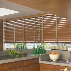 Wood-Blinds-CountryWoodsDecorativeTapeKitchen
